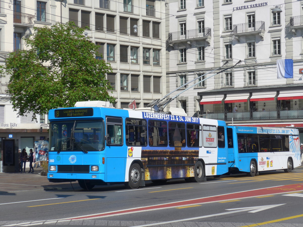 (179'458) - VBL Luzern - Nr. 260 - NAW/R&J-Hess Trolleybus am 10. April 2017 in Luzern, Schwanenplatz