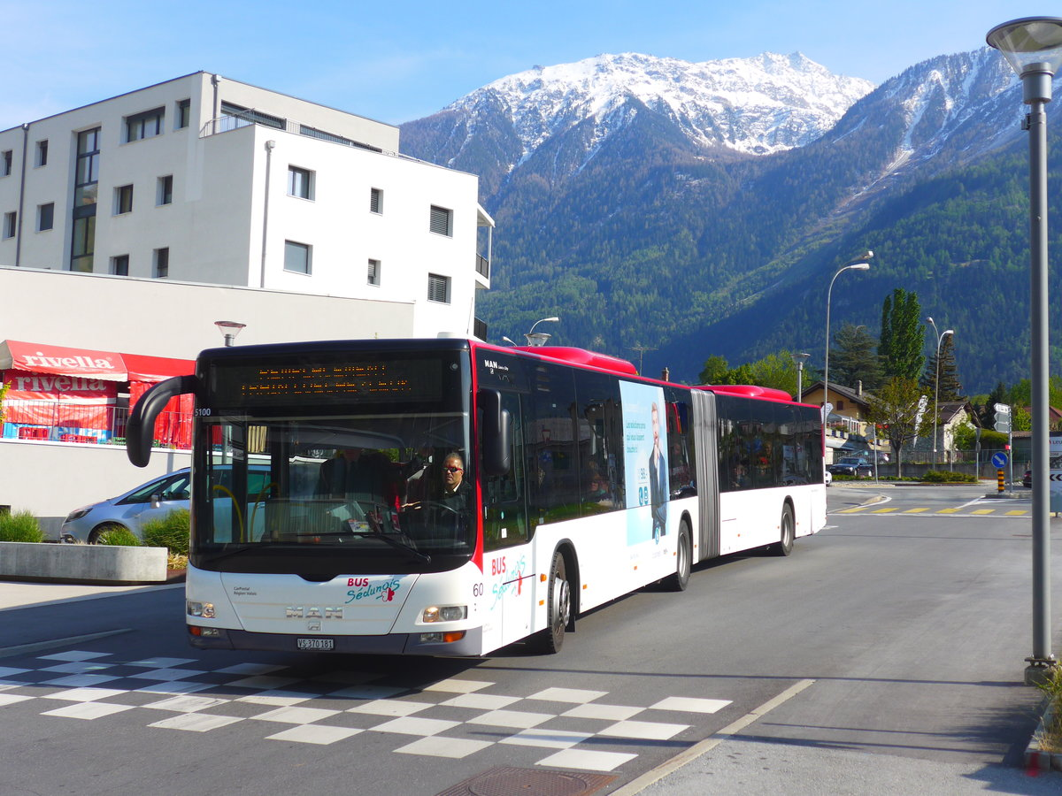 (179'969) - PostAuto Wallis - Nr. 60/VS 370'181 - MAN (ex Lathion, Sion Nr. 60) am 30. April 2017 beim Bahnhof Leuk