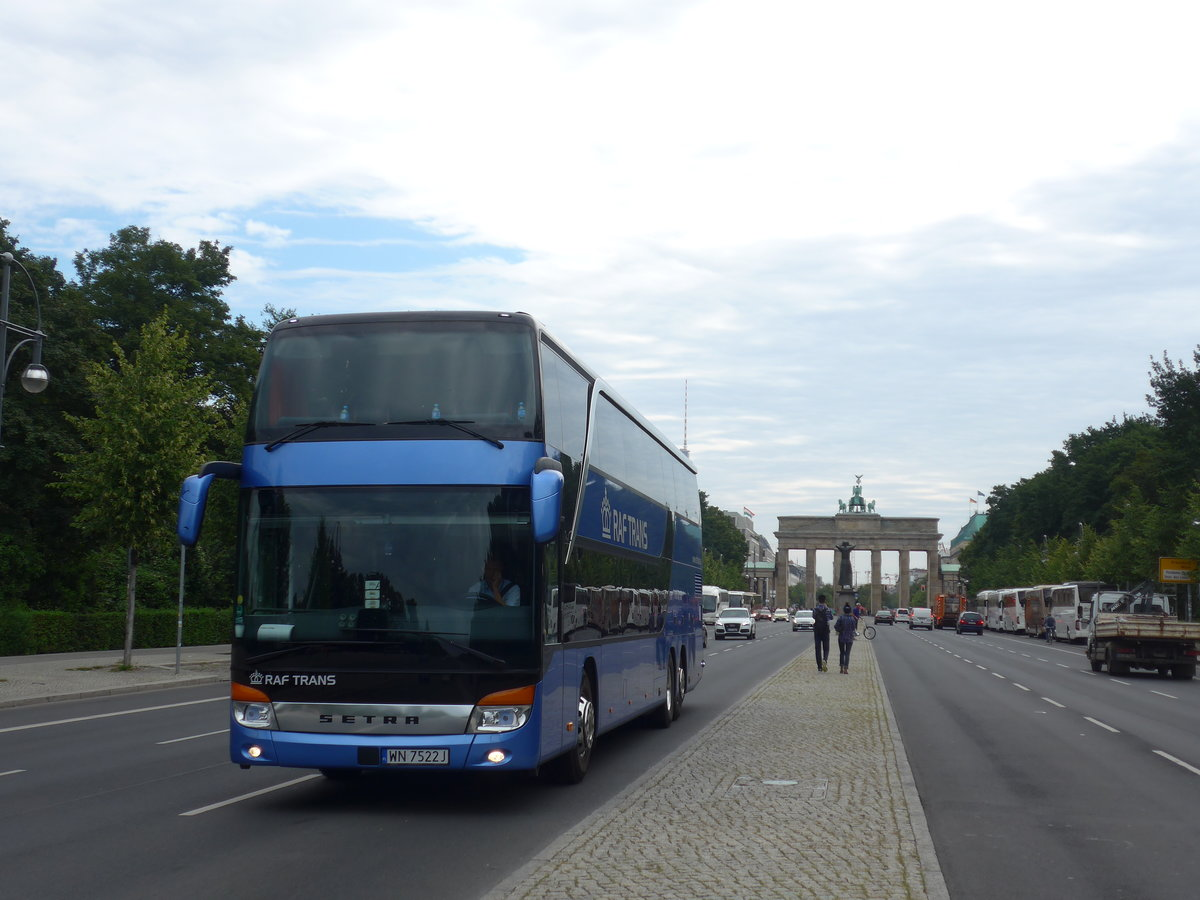 (183'284) - Aus Polen; Raf Trans, Warszawa - WN 7522J - Setra am 10. August 2017 in Berlin, Brandenburger Tor