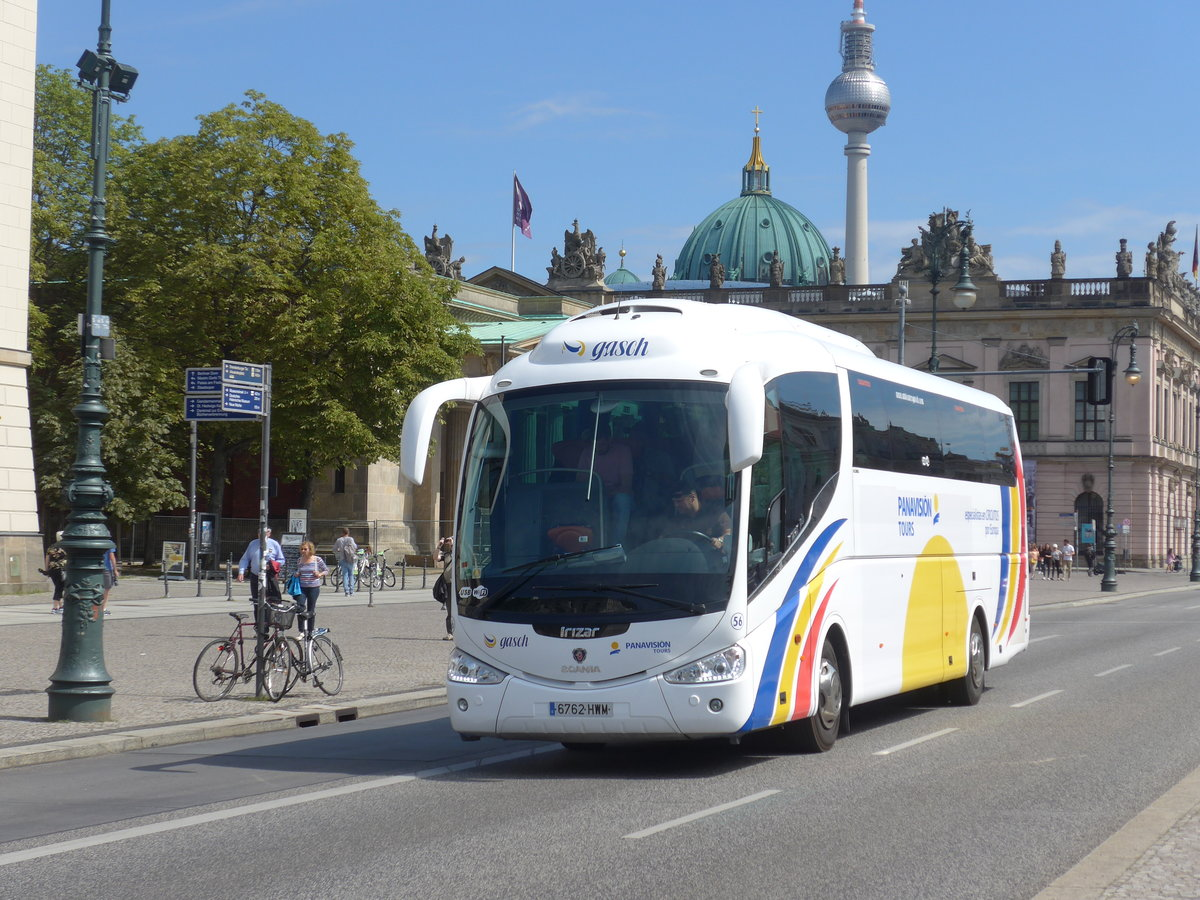(183'325) - Aus Spanien: Panavision, Madrid - Nr. 56/6762 HWM - Scania/Irizar am 10. August 2017 in Berlin, Staatsoper