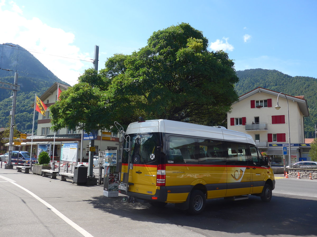 (184'567) - PostAuto Bern - BE 472'866 - Mercedes am 3. September 2017 beim Bahnhof Wilderswil
