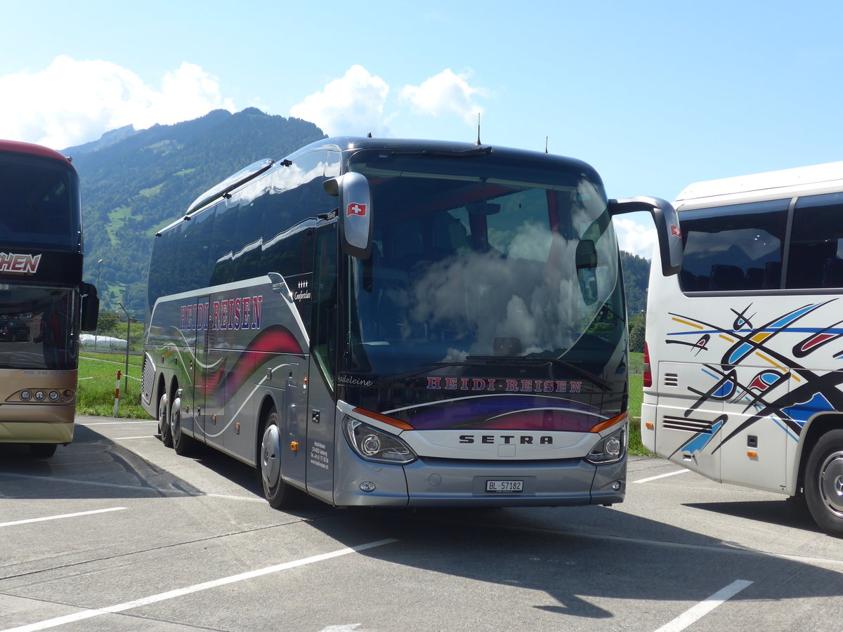 (184'594) - Heidi, Liesberg - BL 57'182 - Setra am 3. September 2017 in Interlaken, Flugplatz