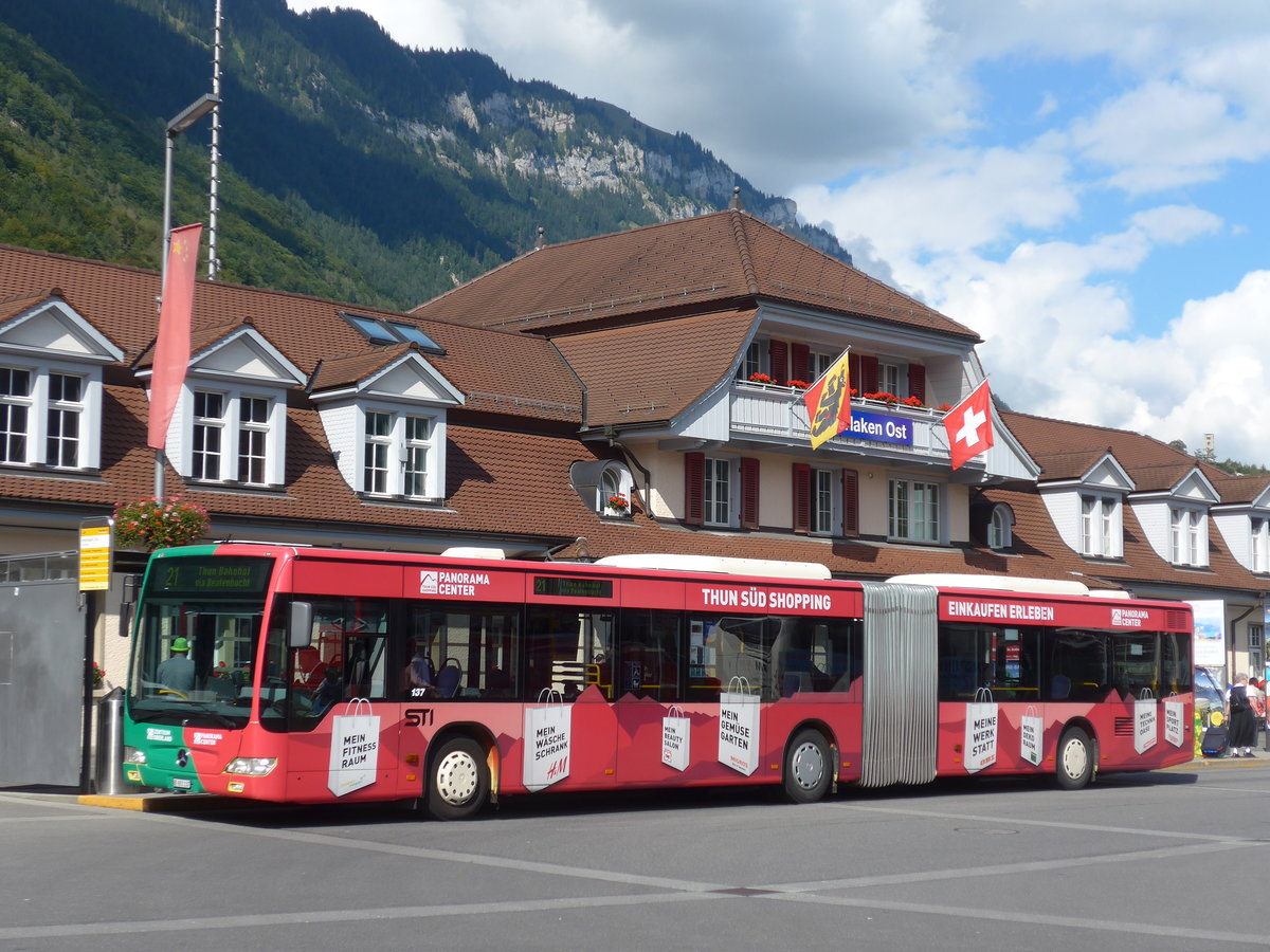 (184'623) - STI Thun - Nr. 137/BE 801'137 - Mercedes am 3. September 2017 beim Bahnhof Interlaken Ost