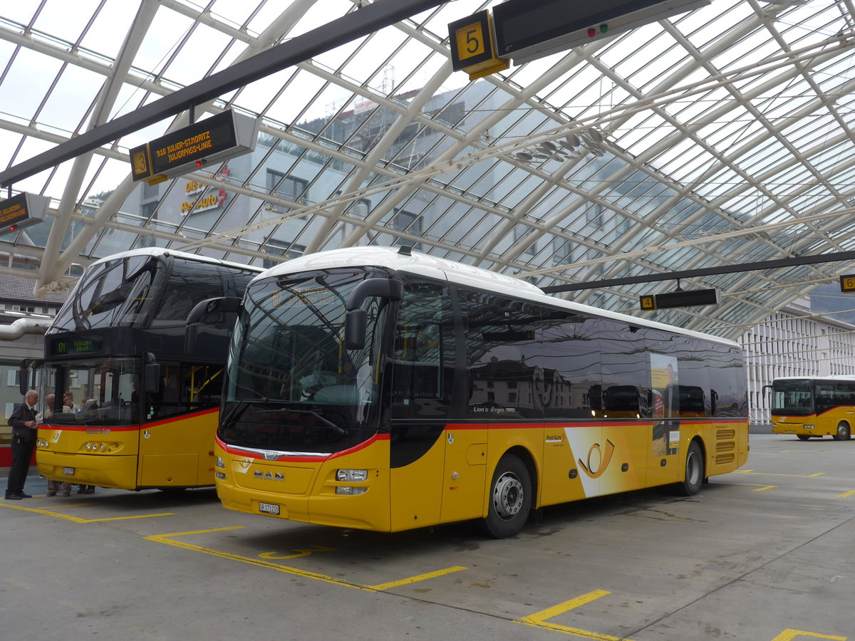 (184'782) - PostAuto Graubünden - GR 173'210 - MAN am 16. September 2017 in Chur, Postautostation