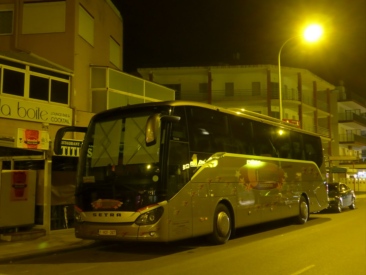(185'698) - Aus Belgien: Flamingo, Harelbeke - 1-HCF-267 - Setra am 29. September 2017 in Roses