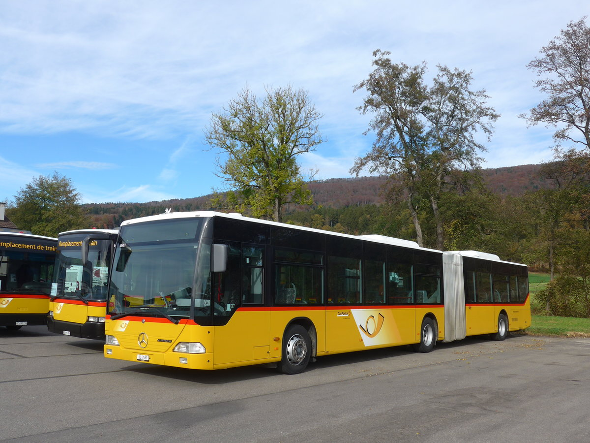 (186'032) - CarPostal Ouest - JU 7589 - Mercedes (ex Nr. 72; ex Stucki, Porrentruy Nr. 12) am 21. Oktober 2017 in Develier, Parkplatz
