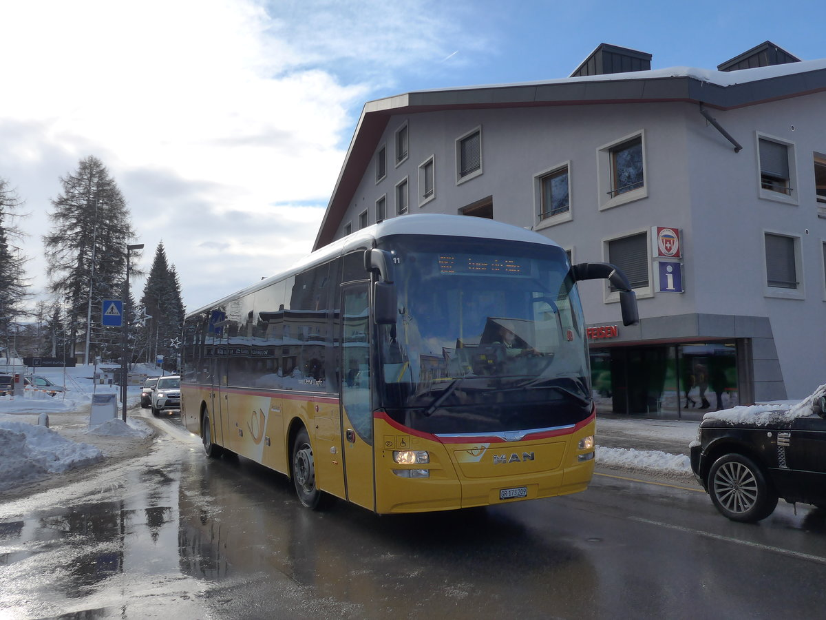 (187'564) - PostAuto Graubünden - GR 173'209 - MAN am 1. Januar 2018 in Lenzerheide, Post