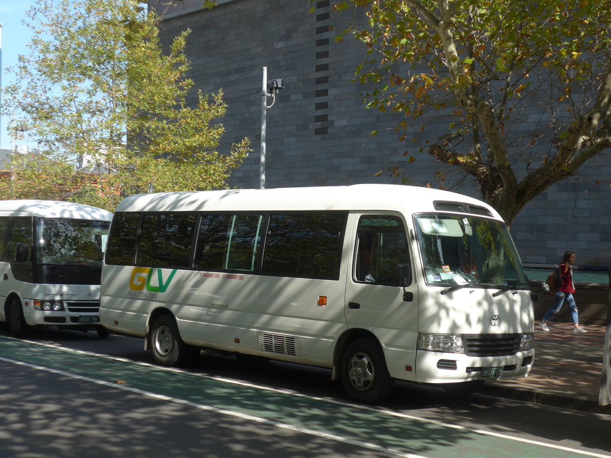 (190'377) - GLV Coaches, Campbellfield - BS01 EQ - Toyota am 19. April 2018 in Melbourne, NGV