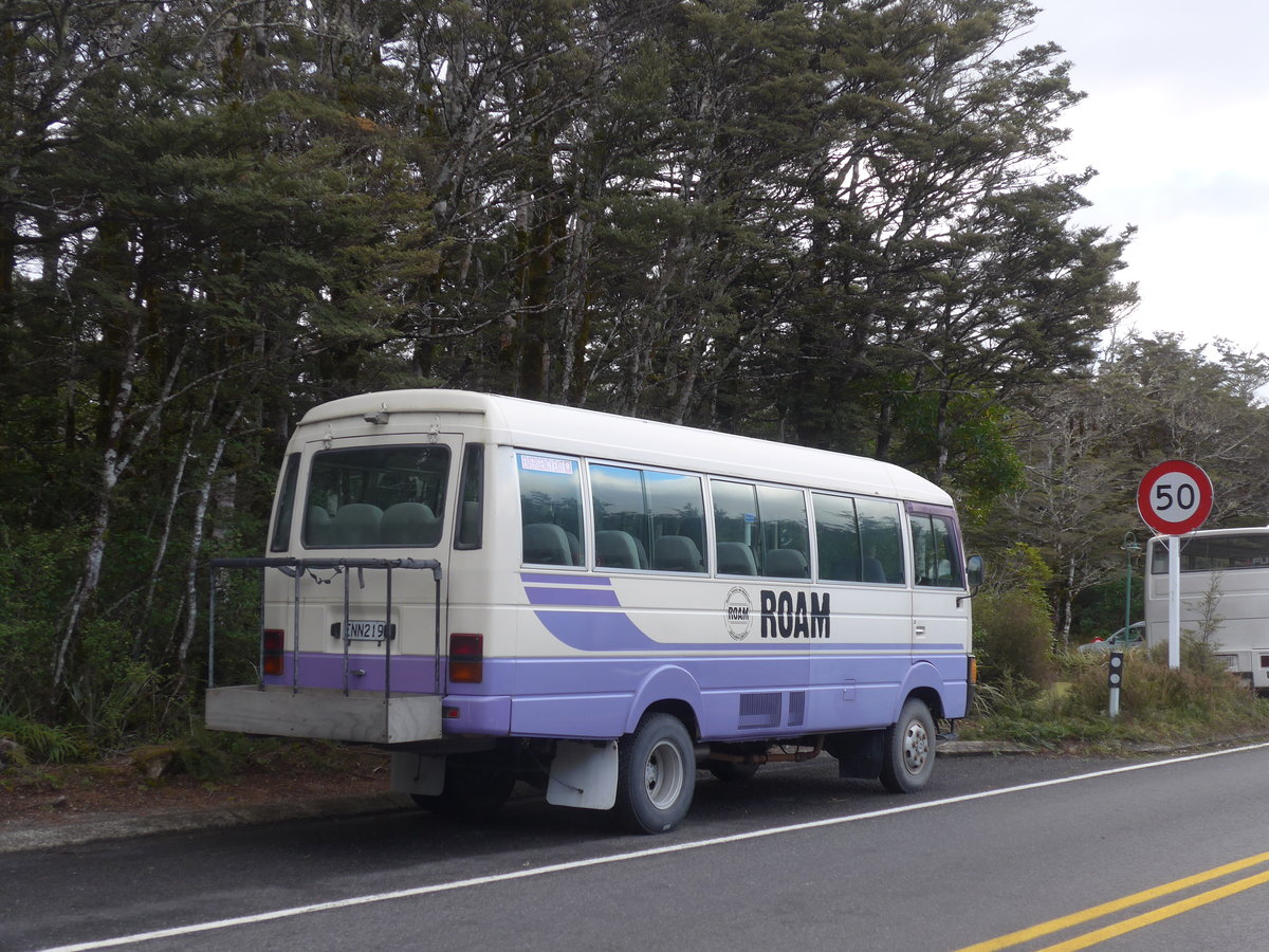 (191'302) - Roam, Tongariro - ENN219 - Nissan am 24. April 2018 in Whakapapa, Holiday Park