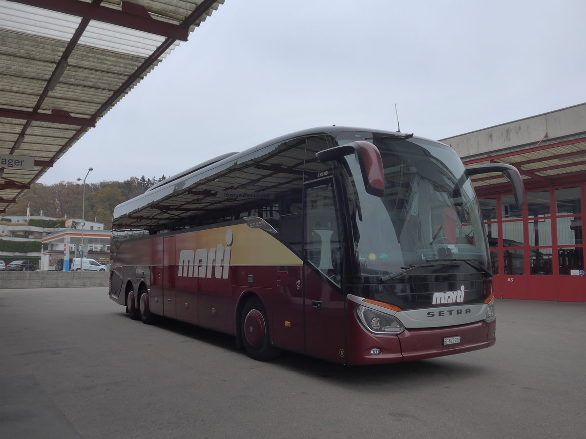 (199'421) - Marti, Kallnach - Nr. 6/BE 572'206 - Setra am 18. November 2018 in Kloten, EvoBus