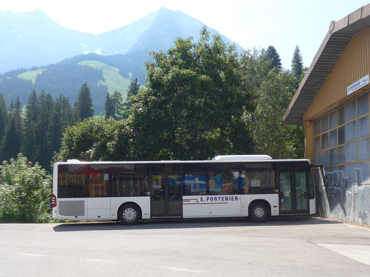 (207'919) - Portenier, Adelboden - Nr. 2/BE 26'853 - Mercedes (ex Dr. Richard, A-Wien) am 14. Juli 2019 in Adelboden, Garage