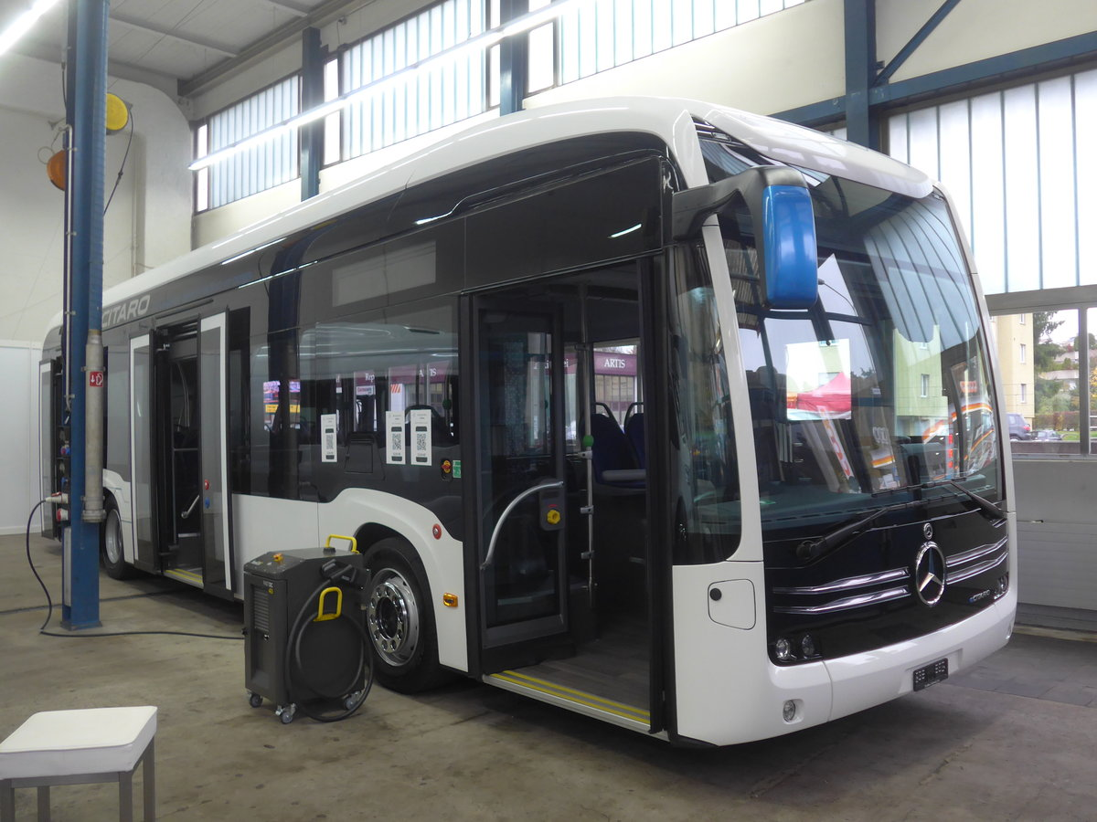 (210'775) - EvoBus, Kloten - Mercedes am 8. November 2019 in Kloten, EvoBus