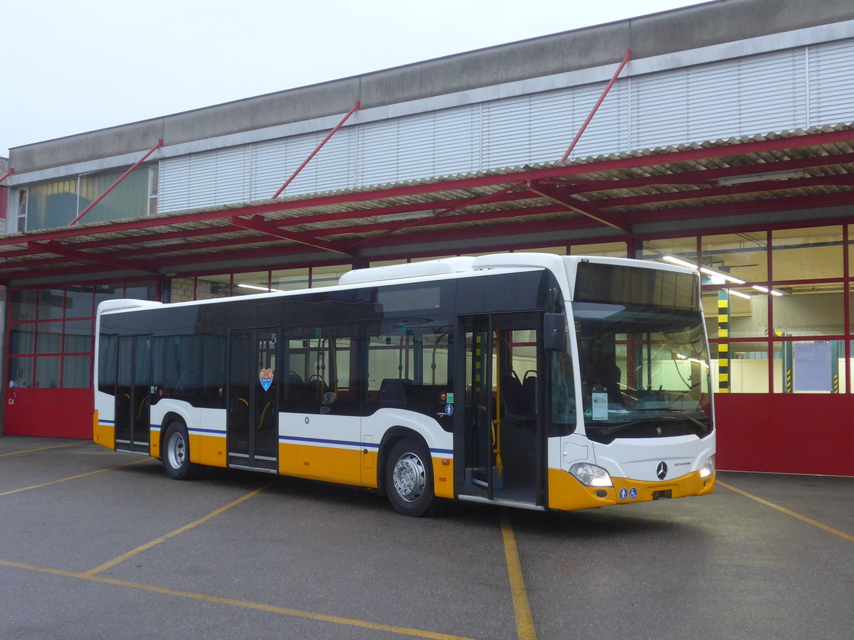 (210'866) - Aus Deutschland: HEAG Darmstadt - Nr. 305 - Mercedes am 8. November 2019 in Kloten, EvoBus