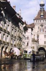 Bern/593392/d-058---aus-dem-archiv (D 058) - Aus dem Archiv: SVB Bern - Nr. 5 - Saurer/Gangloff Trolleybus am 15. Juni 1959 in Bern, Käfigturm